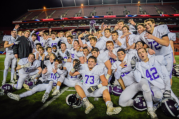 Rumson beat South Plainfield 27-22 in the Central Jersey Group III championship game to win its fourth straight state title. (Photo by Robert Samuels)